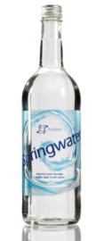 Mineraalwater In Een 100% Gerecyclede Fles, Glazen Design Fles Met Zilveren Schroefdop