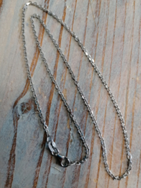 Anker Collier, 2 mm breed, 43 cm.