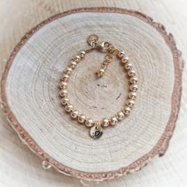 Baby armbandje goud met initiaal | Jill