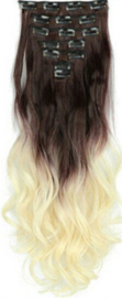 Synthetische clip in hair extension set / ombre golvend haar 4#/613  / 60 cm