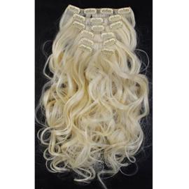 Synthetische clip in hair extension set / blond golvend #613 / 50 cm