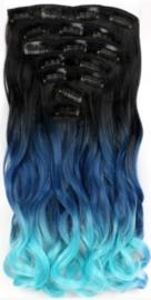 Synthetische clip in hair extension set / ombre zwart - blauw - licht blauw golvend / 50 cm