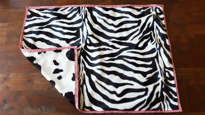 Zebra-Cow two-sided blankets for small dogs