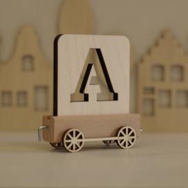 A | Buchstabenzug aus Holz