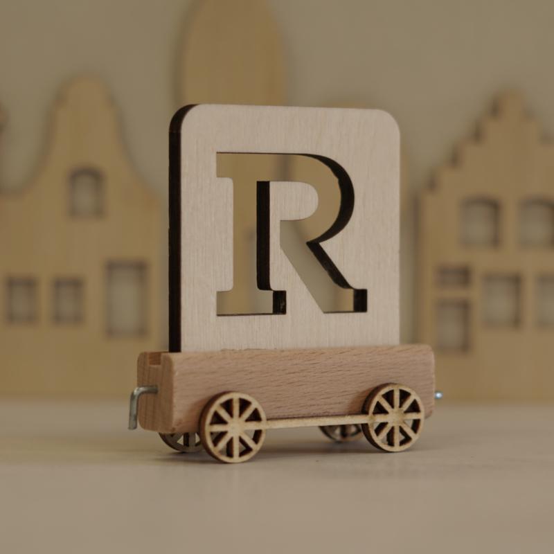 R   Houten lettertrein