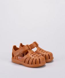 Igor sandal Tobby solid caramelo