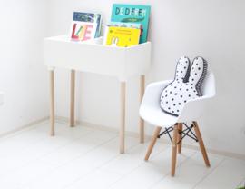 Manowoods - Bookshelf