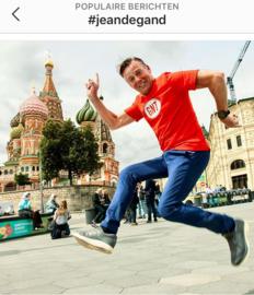 Bekerwinnaar: rode GNT-shirt op Rode Plein