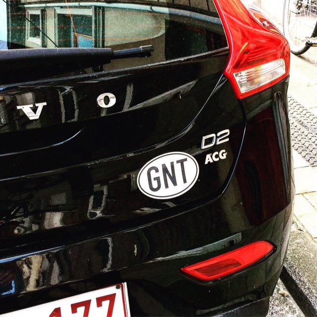 Bekerwinnaar: Gentse GNT-sticker op Gentse Volvo