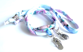 2 Love it Summer - Brillenkoordje - Gerecycled textiel - Metaal - Lengte ca. 100 cm - Blauw - Groen - Roze - Zilverkleurig