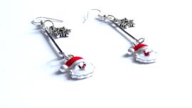 2 Love it Kerstman Sneeuwvlok - Oorbellen - Oorhangers - Kerst - Metaal - Emaille - Lengte 5.3 cm -  Rood - Wit - Zilverkleurig
