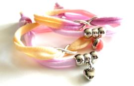 2 Love it Twin Infinity Powerfull - Armband - Vriendschapsarmbandjes - Per 2 - Gerycycled textiel - 50 CM lang - Elastisch -Geel - Oranje - Lila - Roze -Zilverkleurig