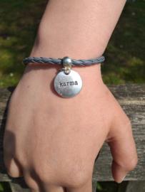 2 Love it Karma - Armband - Leer - Metaal - Polsmaat 18 - 23 CM - Grijs - Zilverkleurig