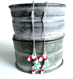2 Love it Candycane - Oorbellen - Oorhangers - Metaal - Emaille - Kerst - Lengte 6.5 cm - Groen - Rood - Wit - Zilverkleurig