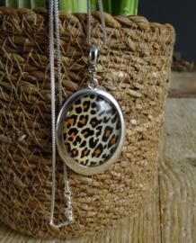 2 Love it Luipaard Silver - Ketting - Elastisch koord - Hanger 30 x 40 mm - Metaal - Lood & Nickelvrij - Bruin - Wit - Zwart - Zilverkleurig