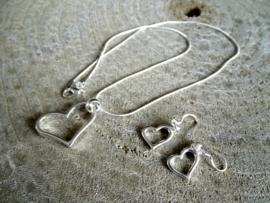 2 Love it - Hart - Sieradenset - Ketting - Lengte 50 CM - Oorbellen - Zilverkleurig