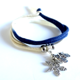 2 Love it Winter - Armband - Gerecycled textiel - 50 CM lang - Blauw - Taupe - Wit - Zilverkleurig