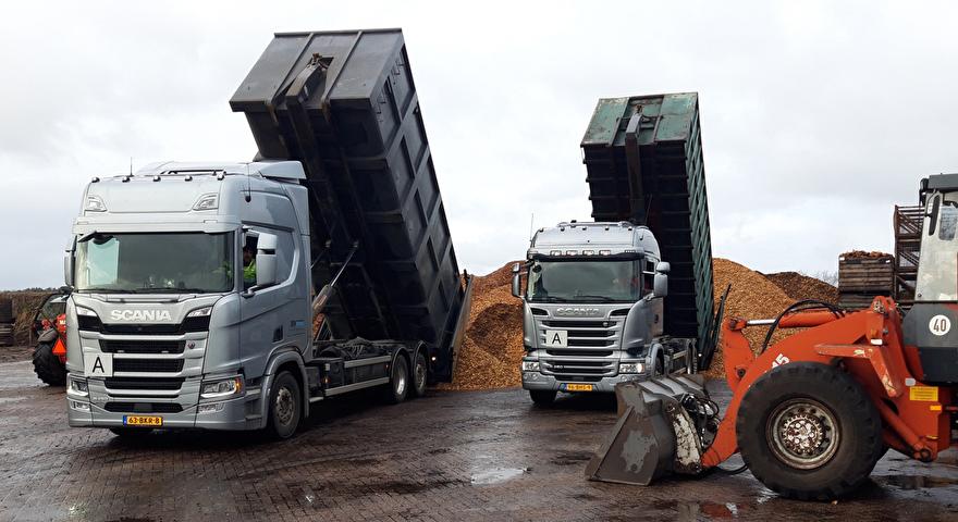 Houtsnippers container vrachtwagen