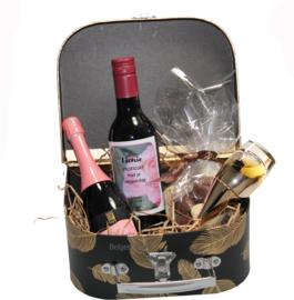 Dames verjaardag cadeau in koffertje met Felicitatie etiket