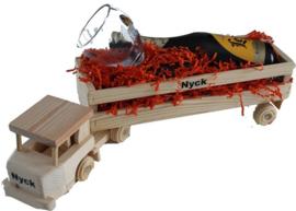 Houten vrachtwagen Biergeschenk met naam jarige
