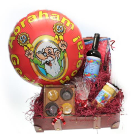 Abraham cadeaupakket met Grote Ballon en Naam etiketten Wijn en Mosterd