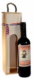 Wijnfles met naam etiket geslaagd