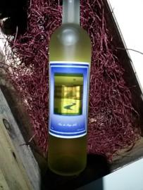 Witte wijn met doorkijkvenster met uw foto