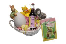Pasen geschenkmand met persoonlijk etiket