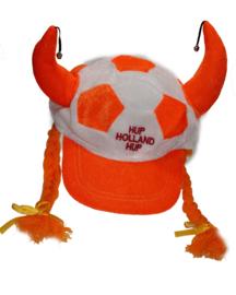 Oranje Pet met vlechten