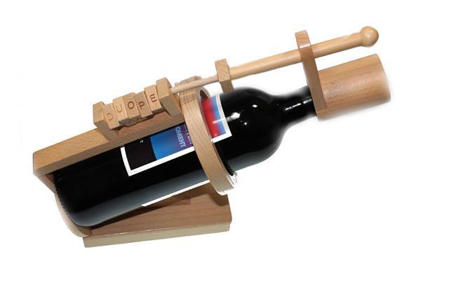 Wijn met eigen etiket in Houten wijnpuzzel