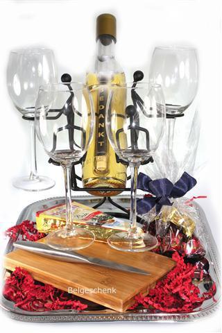 Wijnpakket met glazen en Message bottle