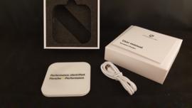Porsche E-Performance Induktionsladegerät iPhone und Smartphone - QI Technology