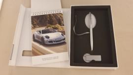 Porsche 911 991 Carrera GTS 2014 - Press information set with pen and USB stick