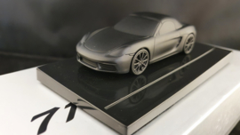 Porsche 718 Boxster S  - Presse Papier op sokkel - Porsche Museum