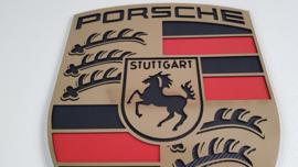 Porsche logo goud brushed look met carbon inleg 76cm bij 60cm