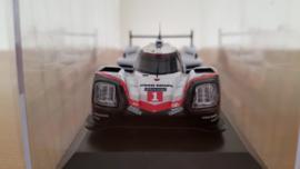 Porsche 919 Hybrid Presentatie model le Mans 2017