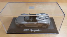 Porsche 918 Spyder Présentation du concessionnaire officiel - IAA Frankfurt