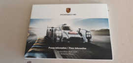 Porsche Geneva Motor show 2014 - Press information set with USB stick