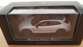 Porsche Mission E Cross Turismo 2018 - Gris clair métallisé