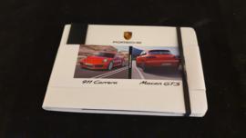 Porsche 911 991 Carrera en Macan GTS - Pers informatie set met USB stick