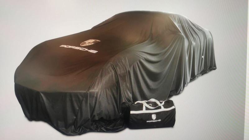 Porsche Händler präsentation | Showroom | Enthüllungstuch