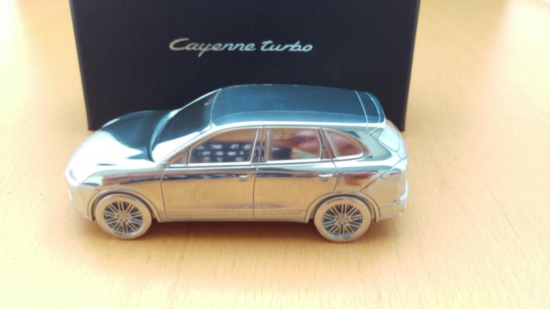 Porsche Cayenne Turbo  GII 2010 - Presse Papier