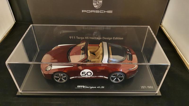 Porsche 911 (992) Targa 4S Heritage Design Edition Cherry red 1:18 Spark - WAP0219110MTRG