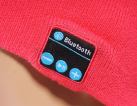 Bluetooth muts roze-rood met speakers