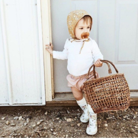 #handgemaakt #babymutsje #amerika #babywinkel #kraamcadeau #bonnet #bloemen #buttercup #uniekkraamkado