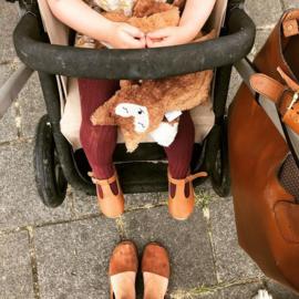 #babyslofjes #babyschoentjes #babymoccasins #suede #leder #kraamcadeau #rammelaar #houtenrammelaar #babyspeelgoed #houtenspeelgoed