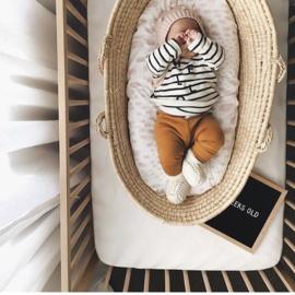 #okergeel  #babybroekje #merinowol  #uitnieuwzeeland #echtleuk #comingsoon