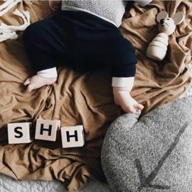#babykleding #babywinkel #babyconceptstore #babyshop #babystore #kraamkado #kraamcadeau #biokatoen #babybroek #babybroekje #babykleding