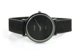 Klassiek mat zwart horloge