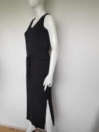 Silvercreek maxi dress. Mt. L. Zwart/wit gestreept.